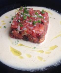 2 Busturiko Pikoluze tomate tartarr-a _ajo blanco_arekin